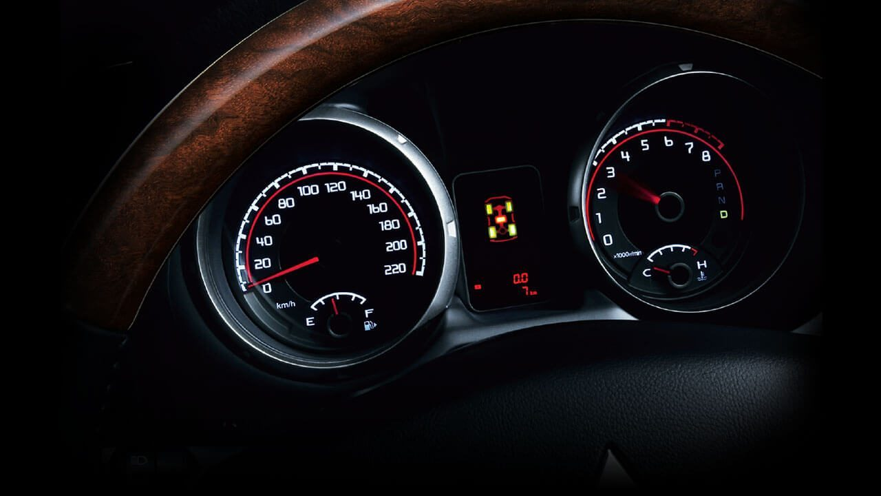 Good-look tachometer