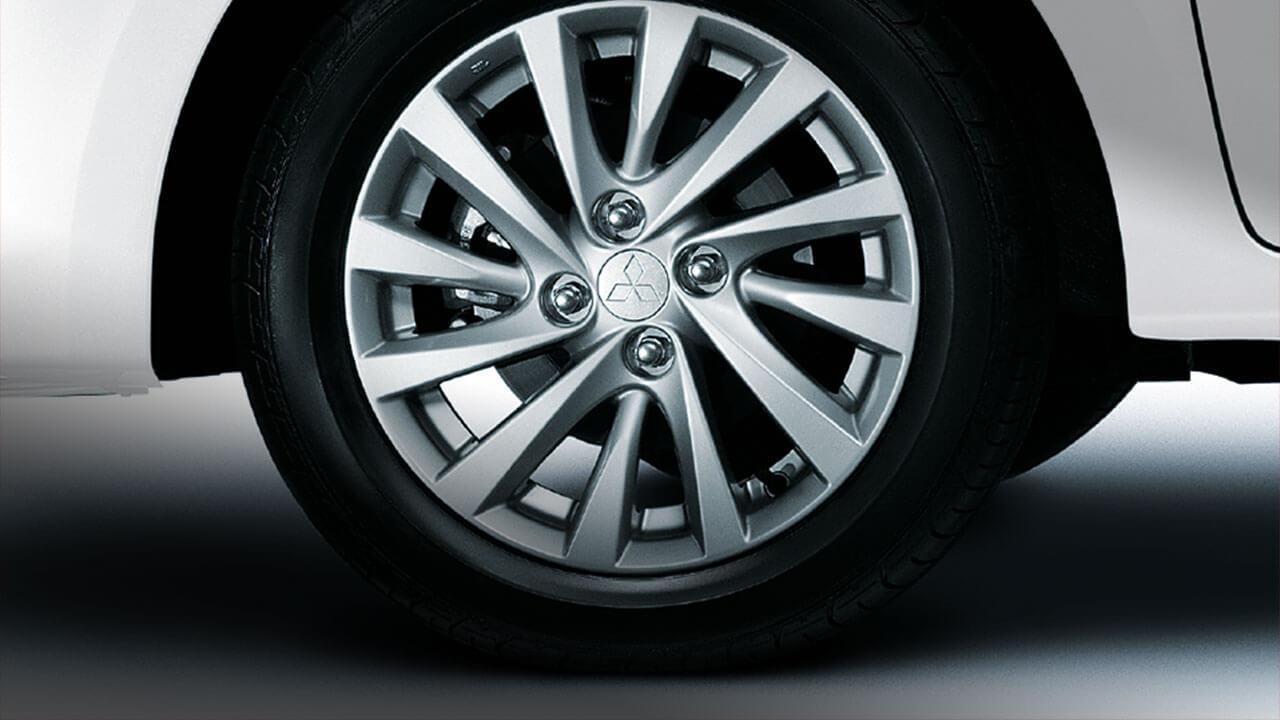 15-inch alloy wheels