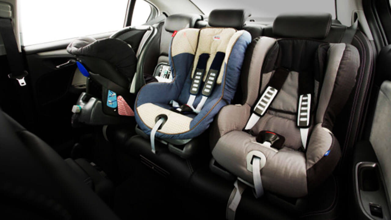Keychains mounted child seats