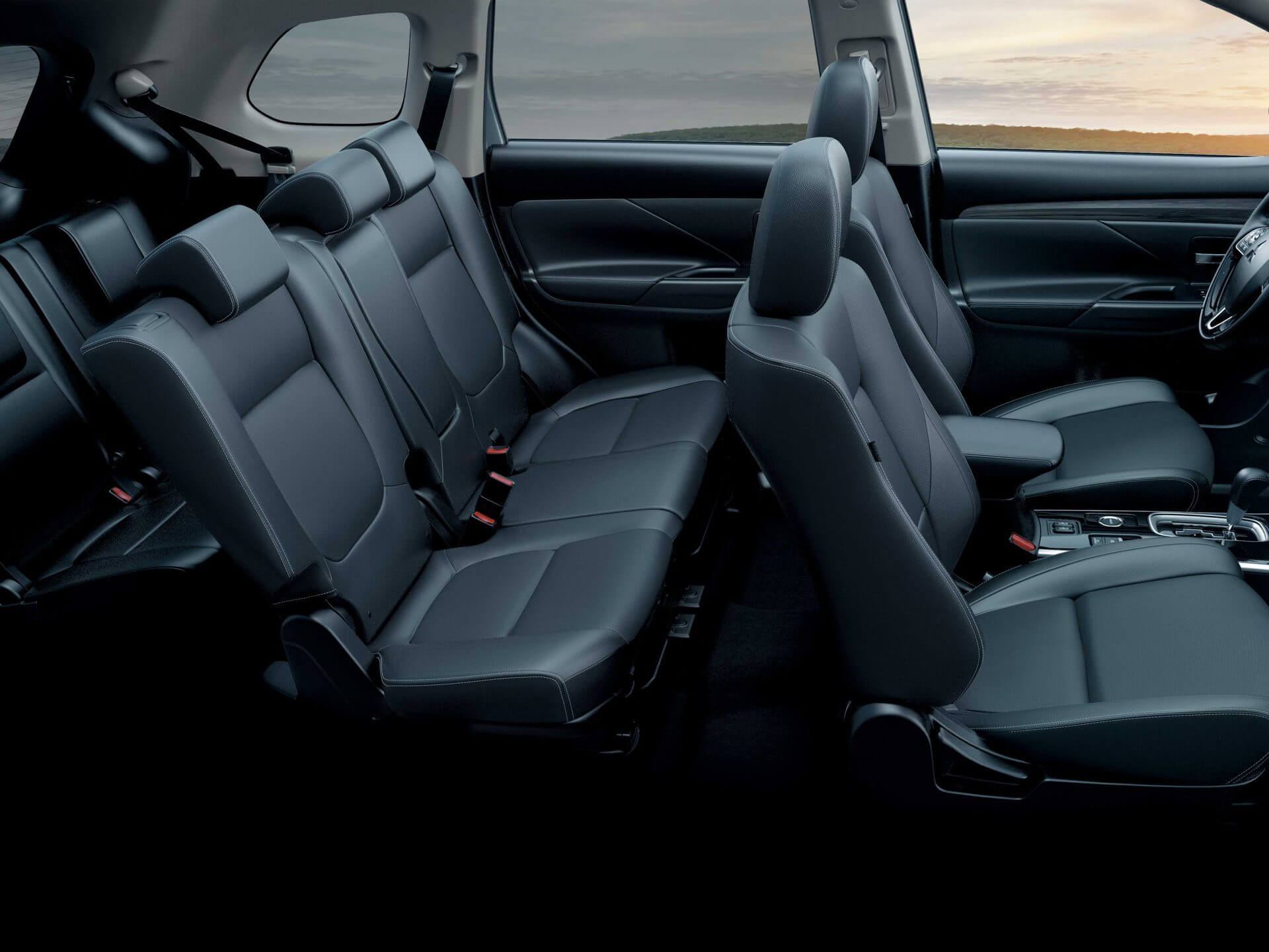 Spacious interior with 5+2 seats