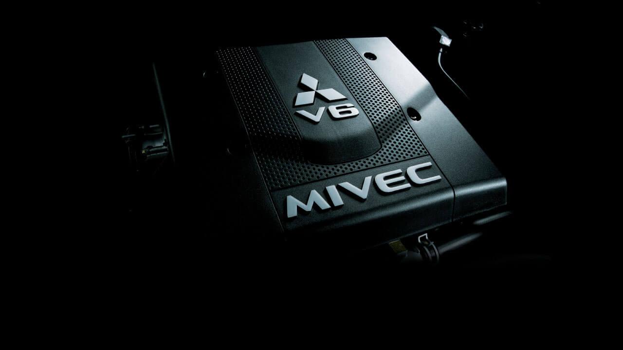 Động cơ 3.0 V6 MIVEC mạnh mẽ
