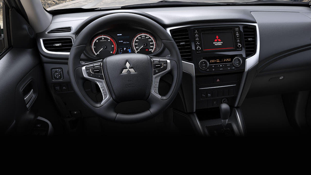 4-Spoke Sporty and Luxury Steering-wheel