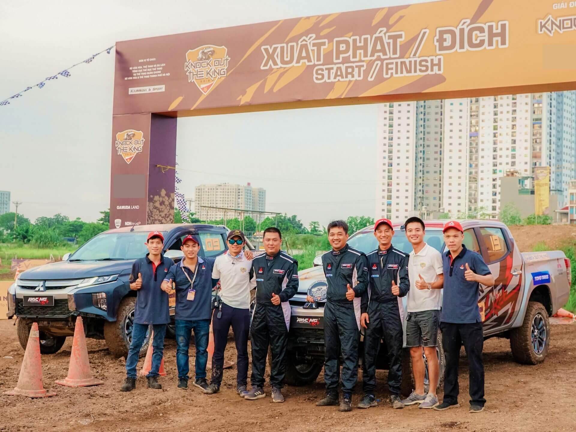 """Racing Aka cùng Mitsubishi Triton đạt giải Á Quân tại Giải đua xe địa hình đối kháng """"Knock Out The King 2019"""""""
