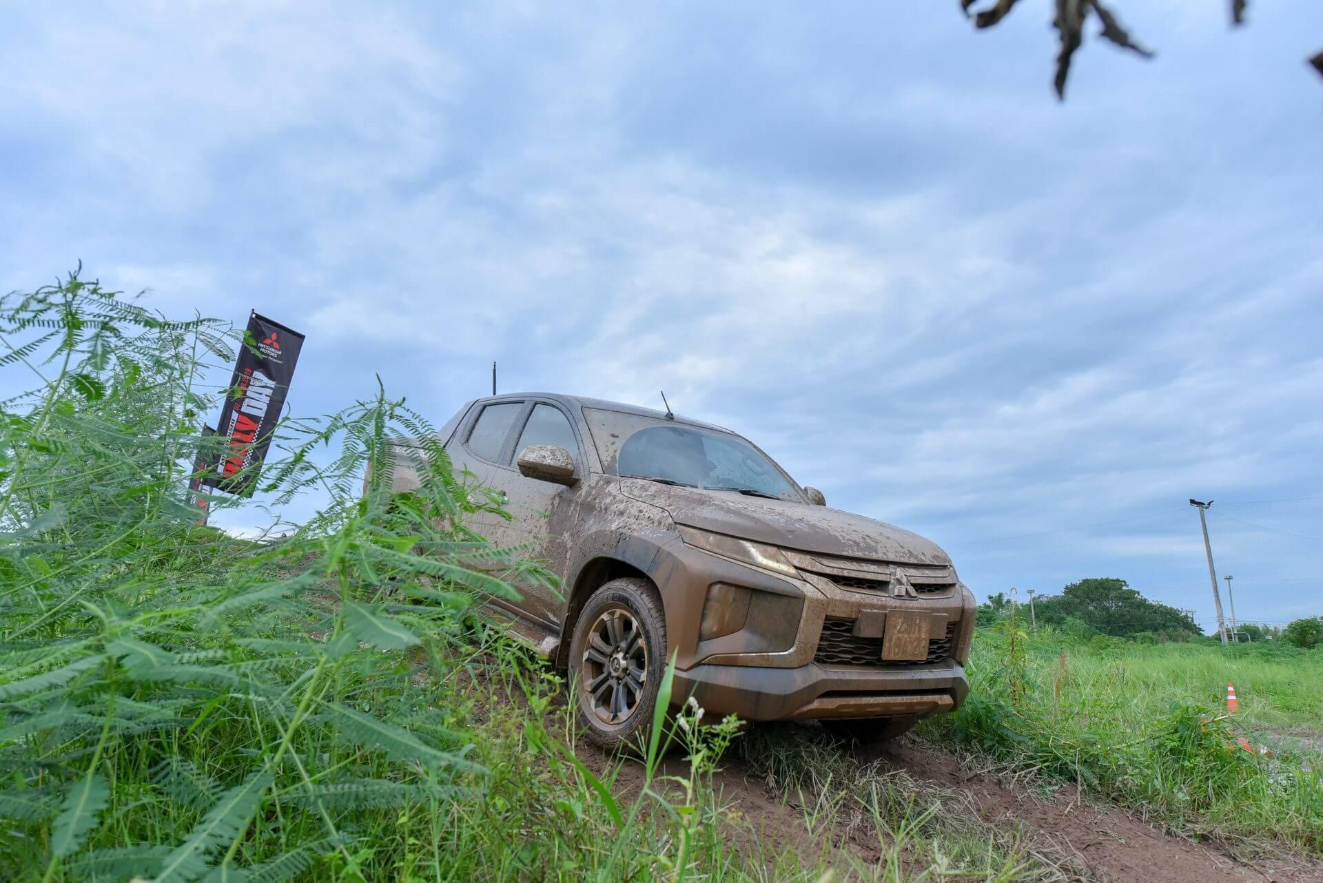 xe Mitsubishi Triton New 2019