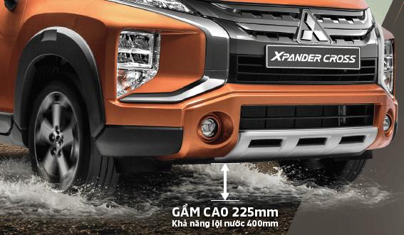 Khoảng sáng gầm xe 225mm giúp cho Xpander Cross vận hành linh hoạt với nhiều địa hình