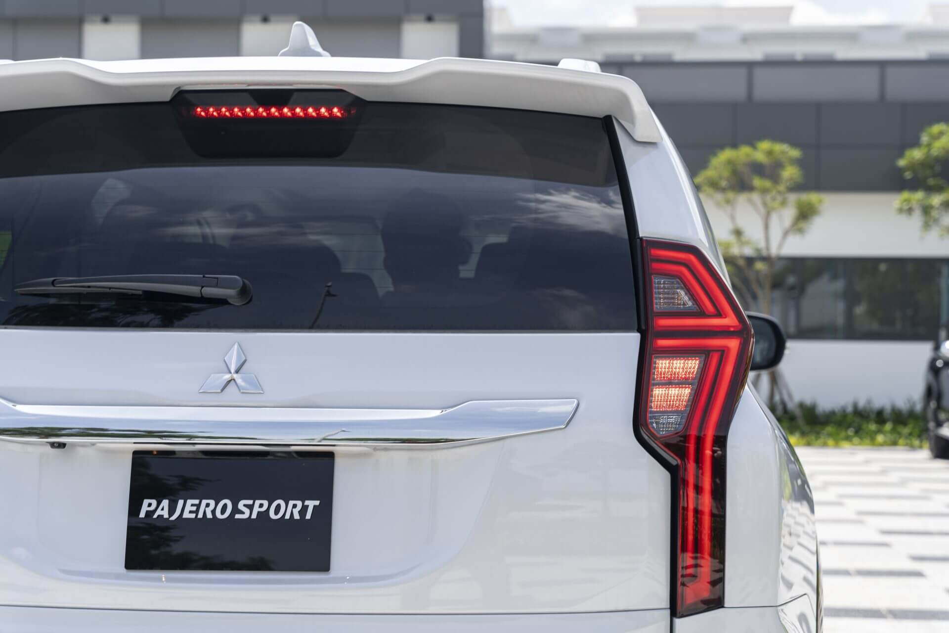 Mitsubishi pajero sport 2021 mới vận hành mạnh mẽ an toàn cao cấp tiện ích thông minh - 5